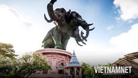 Ghé thăm bảo tàng 'voi ba đầu' khổng lồ ở Thái Lan