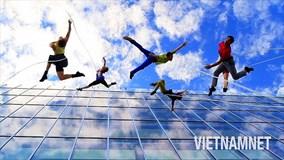 Lò đào tạo những vũ công 'thách thức tử thần' nhảy múa giữa không trung