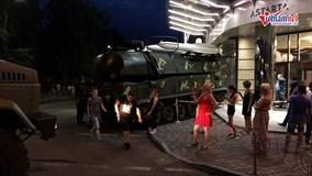 Xe chở tên lửa BUK mất lái lao thẳng vào trung tâm thương mại