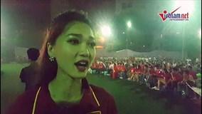 Top 10 Hoa hậu Hoàn vũ Nguyễn Ngọc Nữ vỡ oà trước bàn thắng của Văn Toàn