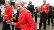 Phút hiếm hoi Thủ tướng Anh Theresa May nhảy như học sinh cấp 3