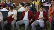 Olympic Việt Nam diện vest, xuất hiện bảnh bao tại sân bay Indo