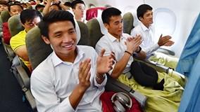 Những hình ảnh đầu tiên của chuyên cơ và U23 Việt Nam ở sân bay Nội Bài