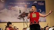 Điều Còn Mãi 2018: Mạnh Dũng hát 'Tháng 3 Tây Nguyên'