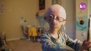 Câu chuyện về ngôi sao mạng xã hội 11 tuổi trong dáng hình của bà lão 90