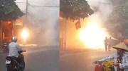 Cột điện ở Phú Thọ cháy ngùn ngụt, nổ như pháo hoa