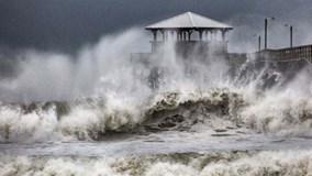 Siêu bão Florence tàn phá Mỹ, Mangkhut hoành hành ở Philippines