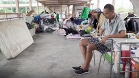 Cuộc sống 'thượng lưu' của những cư dân trên cây cầu bỏ hoang ở Hong Kong