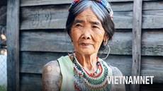 Gặp gỡ nữ nghệ nhân xăm mình trăm tuổi cuối cùng ở Philippines