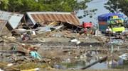 Sóng thần cao 6m tấn công Indonesia: Khó khăn giải cứu nạn nhân