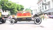 Đoàn xe đưa linh cữu nguyên Tổng bí thư Đỗ Mười qua các tuyến phố Thủ đô