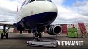 Khám phá cỗ máy nâng máy bay 130 tấn như 'nâng lông hồng'
