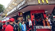 Vì sao những gã khổng lồ thức ăn nhanh của Mỹ 'chùn bước' ở Việt Nam?