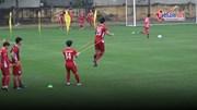 Thầy Park 'đo' độ khoẻ và khéo của tuyển Việt Nam trên sân tập
