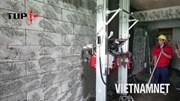 Cỗ máy thần tốc trát vữa tường chỉ trong vài phút