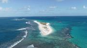 Hòn đảo ở Hawaii đột nhiên biến mất sau siêu bão
