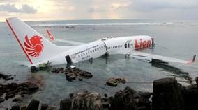 Thế giới 7 ngày: Tang thương bao trùm ngành hàng không