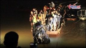 Tìm thấy 2 thi thể vụ ô tô rơi xuống sông Hồng
