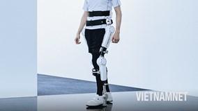 'Khung xương' robot biến ước mơ đi lại của người bại liệt thành hiện thực