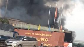 Cháy dữ dội sập nhà xưởng công ty dược ở Hưng Yên