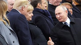 TT Pháp Macron đả kích, TT Putin 'ấm áp' với TT Trump