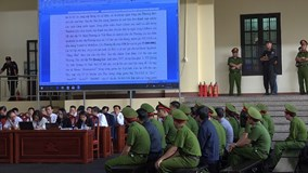 Xử vụ Phan Văn Vĩnh: 235 trang cáo trạng, vừa đọc vừa trình chiếu