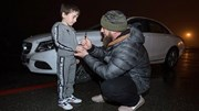 Cậu bé 5 tuổi được tặng xe sang vì chống đẩy được hơn 4.000 cái