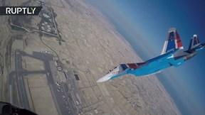 Xem màn nhào lộn đỉnh cao của phi đội Hiệp sĩ Nga trên tiêm kích Su-30S