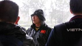 Mưa trắng trời, tuyển Việt Nam suýt phải huỷ lịch tập ở Myanmar