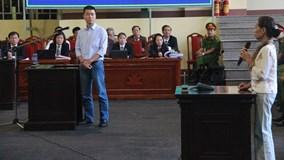 Phan Sào Nam bật khóc trước toà khi nhắc đến vợ con