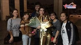 Hồ Ngọc Hà hạnh phúc vỡ òa khi được fan chúc mừng sinh nhật