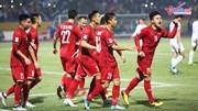 Quang Hải ghi bàn thắng vào lưới Campuchia, nâng tỉ số lên 2-0 cho VN