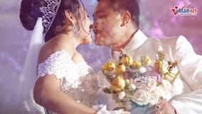 HH Đặng Thu Thảo diện váy dài 5m, hát trong đám cưới với ông xã doanh nhân
