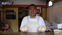 Đầu bếp Nhật chia sẻ bí quyết làm bánh mỳ 'núi đôi' siêu độc đáo