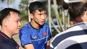 Tuyển VN tập ở Bacolod, thầy Park chỉ Văn Hậu 'bí kíp' phỏng vấn