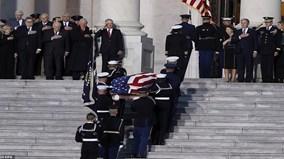 Lễ viếng cố Tổng thống Bush 'cha' trong điện Capitol