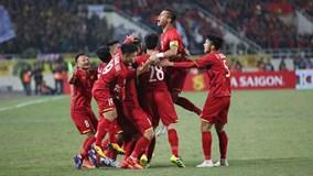 Đánh bại Malaysia với tổng tỷ số 3-2, Việt Nam vô địch AFF Cup sau 10 năm