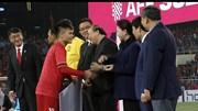 Quang Hải nhận đồng thời 2 giải thưởng danh giá của AFF Cup