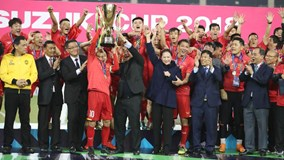 Vỡ òa khoảnh khắc Việt Nam nâng cao cúp vô địch AFF Cup 2018