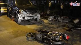 Nữ tài xế lái lexus đâm hàng loạt xe máy, 6 người nhập viện