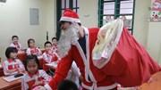 Chuyện bi hài của những ông già Noel kiếm tiền triệu mỗi ngày