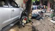 Ô tô 'điên' tông hàng loạt xe máy, lao vào nhà dân khiến 1 người tử vong