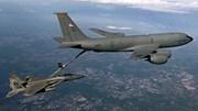 Siêu phi cơ của Mỹ tiếp nhiên liệu trên không ngoạn mục thế nào?