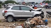 Hà Nội: Ô tô gây tai nạn liên hoàn, 4 người thương vong