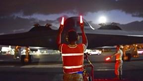 Siêu máy bay ném bom Mỹ đến trân châu cảng 'trực chiến'