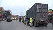 Va chạm với container, đôi nam nữ đi xe máy tử vong trên quốc lộ 5B