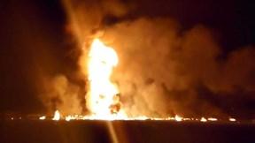 Mexico: Vỡ đường ống dầu, biển lửa bao trùm hàng trăm người đang 'hôi của'