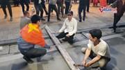 Các kiểu cổ vũ 'lạ lùng' của cổ động viên ăn mừng Việt Nam chiến thắng