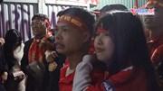 CĐV khóc, cười, hụt hẫng đến vỡ òa trong loạt penalty Việt Nam - Jordan