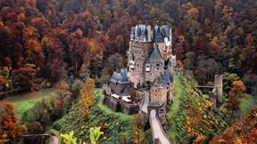Khám phá lâu đài gần nghìn tuổi của 34 thế hệ danh gia vọng tộc Đức